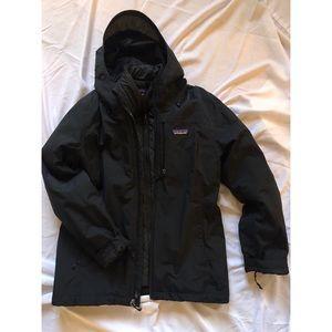 Two layer Patagonia 3-in-1 weatherproof jacket